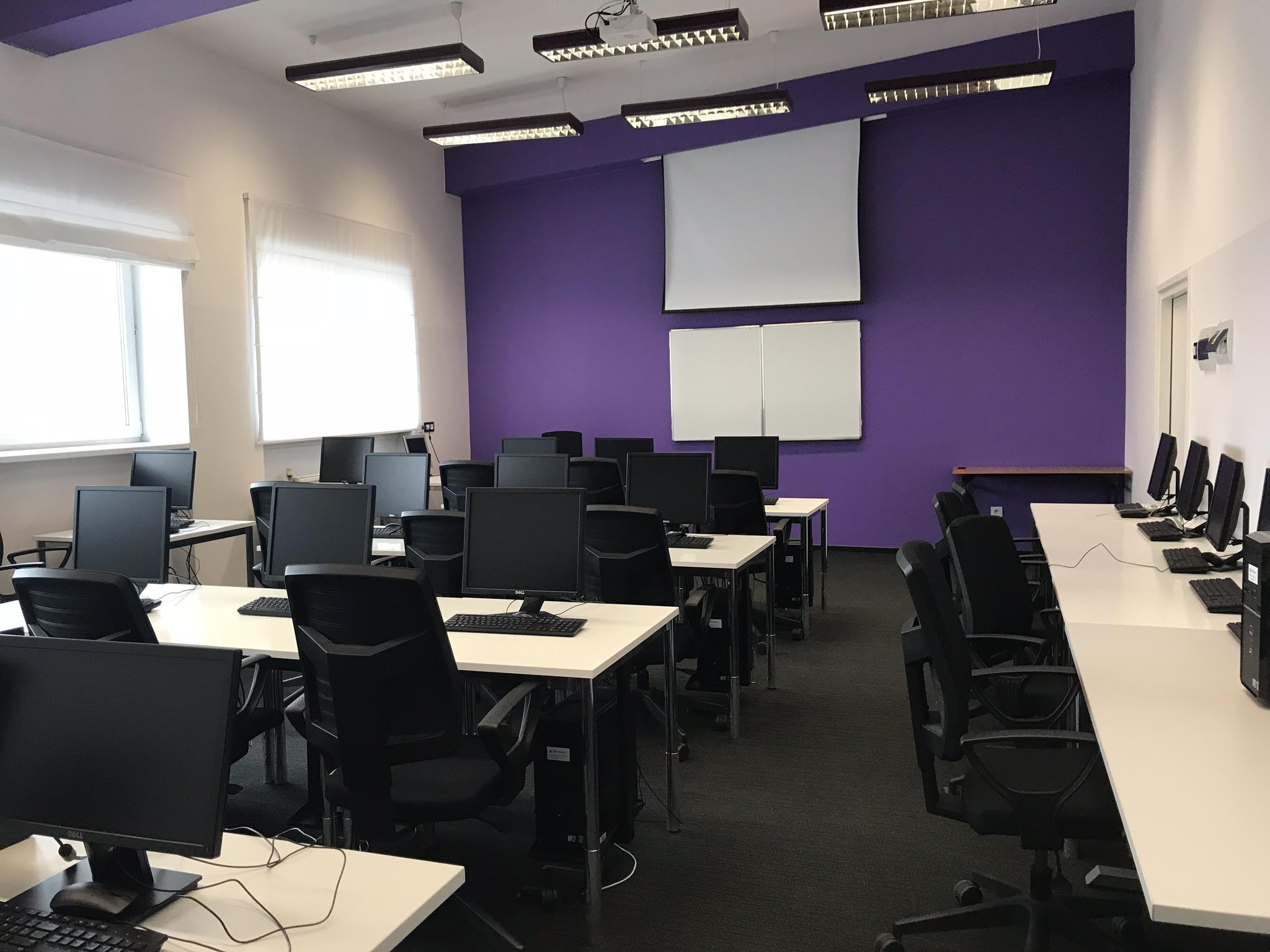Sala komputerowa na wynajem